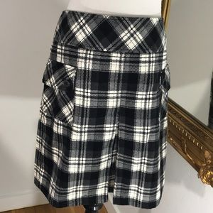 Ann Taylor LOFT plaid skirt with pockets/winter